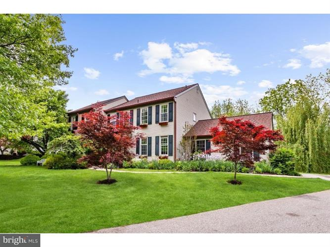 1020 Armstrong Court, Chesterbrook, PA - USA (photo 2)