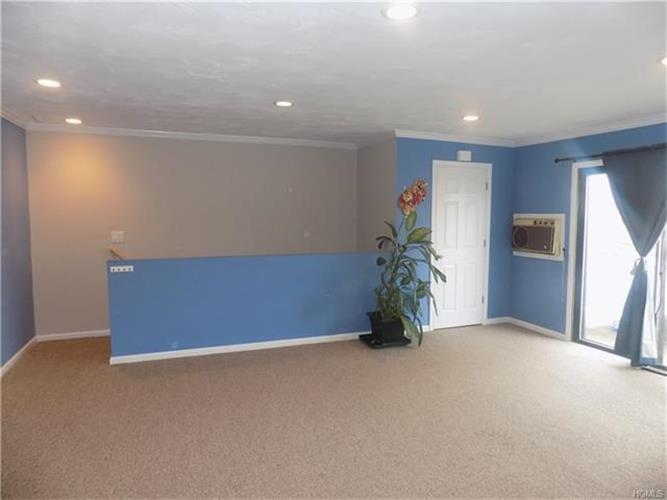 152 Sneden Place 152, Spring Valley, NY - USA (photo 2)