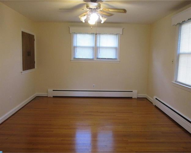 400 Nicholson Rd, West Collingswood Heights, NJ - USA (photo 5)