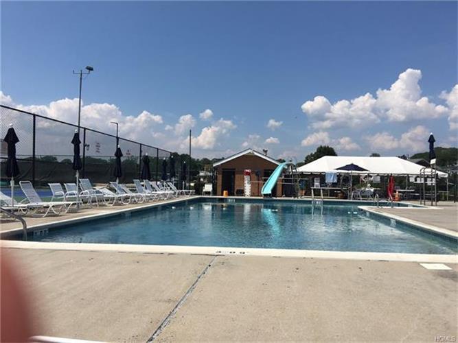 5 Hampton Oval, New Rochelle, NY - USA (photo 5)