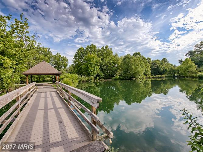 9947 Lake Landing Rd, Gaithersburg, MD - USA (photo 2)
