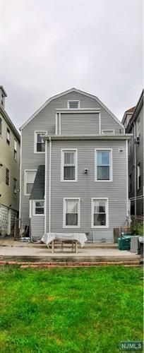 502 Chestnut Street, Kearny, NJ - USA (photo 2)