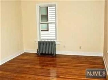 502 Chestnut Street, Kearny, NJ - USA (photo 3)