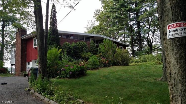 13 Lake Shore Dr, West Milford, NJ - USA (photo 1)