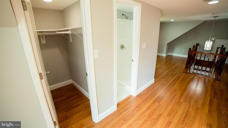 705 Guilford Street, Silver Spring, MD - USA (photo 4)