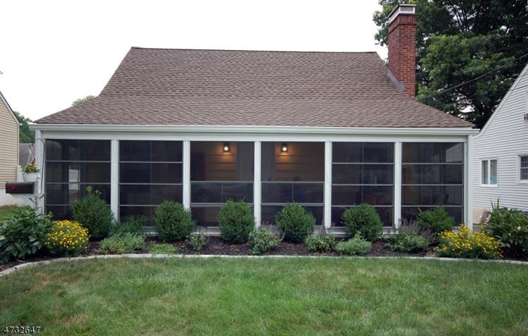 250 Oneida Pl, North Plainfield, NJ - USA (photo 1)