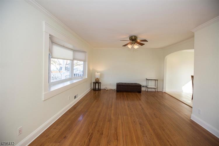 157 Vivian Ave, Emerson, NJ - USA (photo 4)