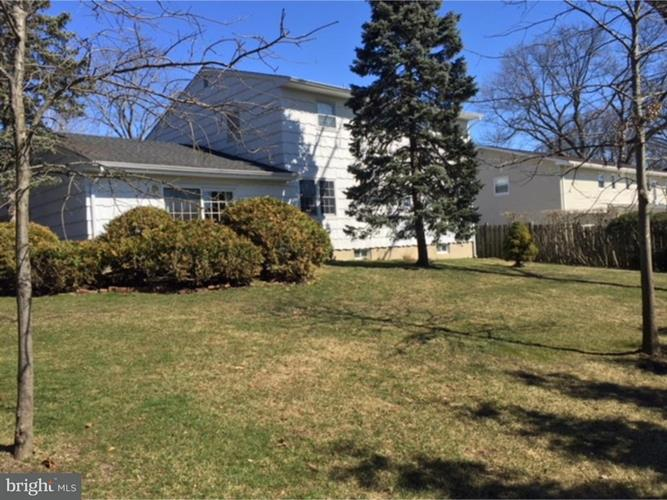 8 Jensen Road, Sayreville, NJ - USA (photo 4)
