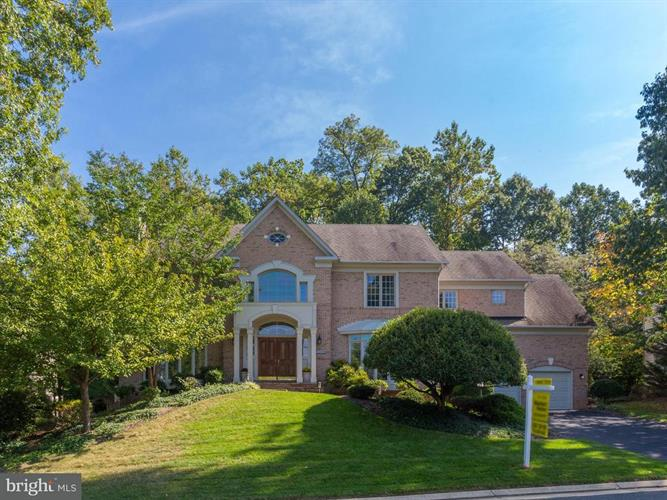 12029 Creekbend Drive, Reston, VA - USA (photo 1)