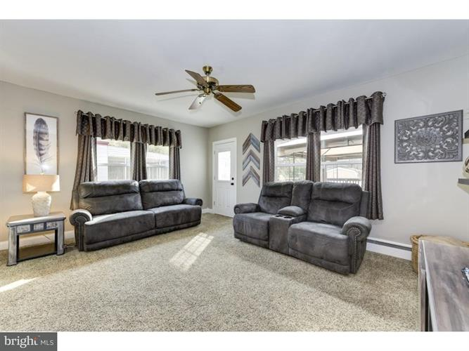 323 Orlando Avenue, Gloucester City, NJ - USA (photo 5)