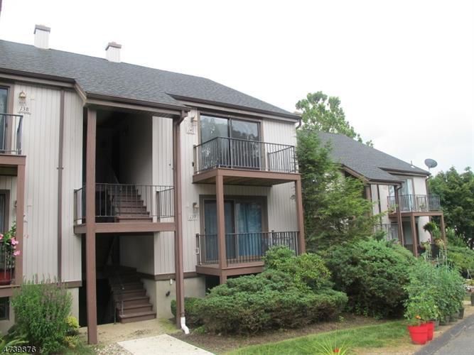 8140 Ashland Ct, Stanhope, NJ - USA (photo 1)