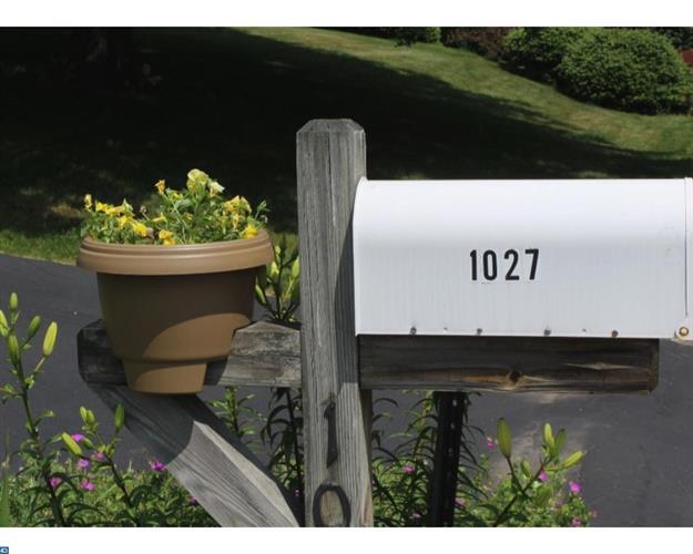 1027 Ridgeview Dr, Orwigsburg, PA - USA (photo 2)