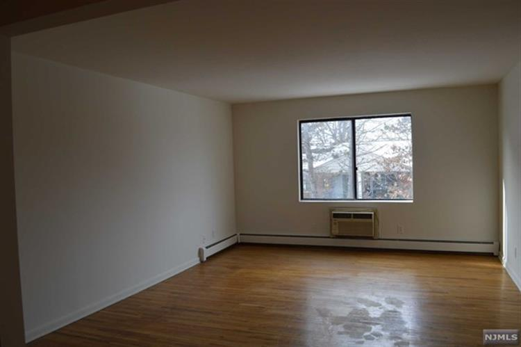 103 Bellgrove Drive, Unit #1a 1a, Mahwah, NJ - USA (photo 1)