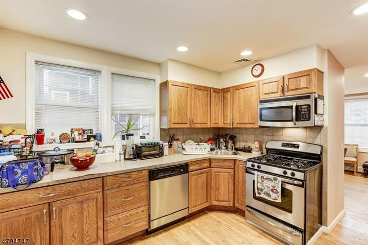 338 3rd St, Saddle Brook, NJ - USA (photo 5)