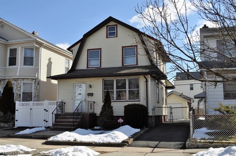 130 N 16th St, Bloomfield, NJ - USA (photo 1)