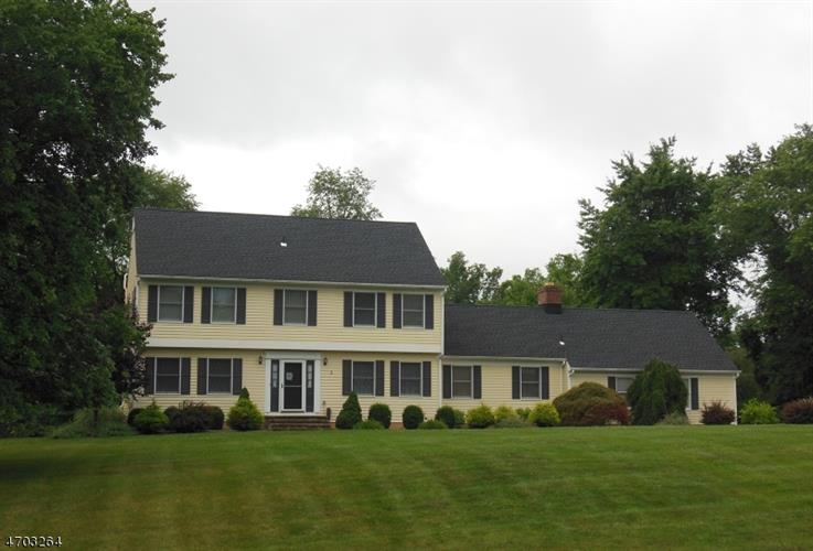 3 Hillcrest Rd, Hillsborough, NJ - USA (photo 1)