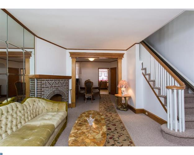 351 Huntley Rd, Upper Darby, PA - USA (photo 3)