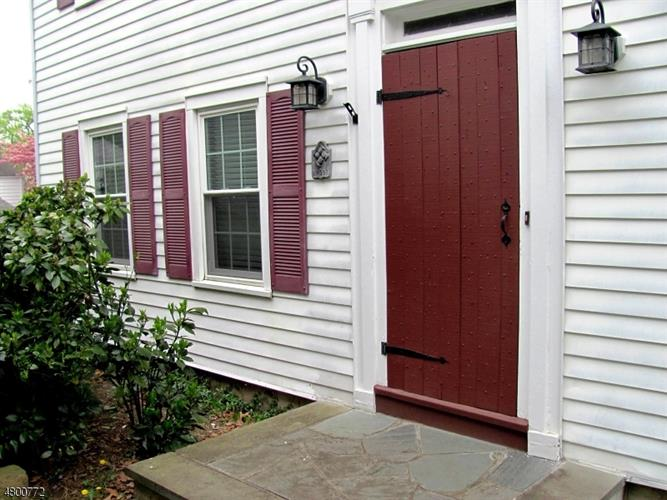 111 W Elmwood Dr, South Plainfield, NJ - USA (photo 5)