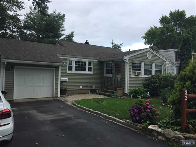 32 Roseland Ave, Wanaque, NJ - USA (photo 1)
