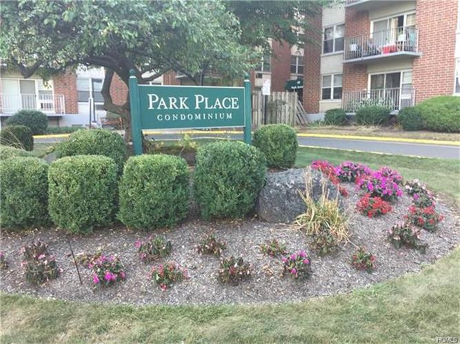 35 Park Avenue 2s, Suffern, NY - USA (photo 2)