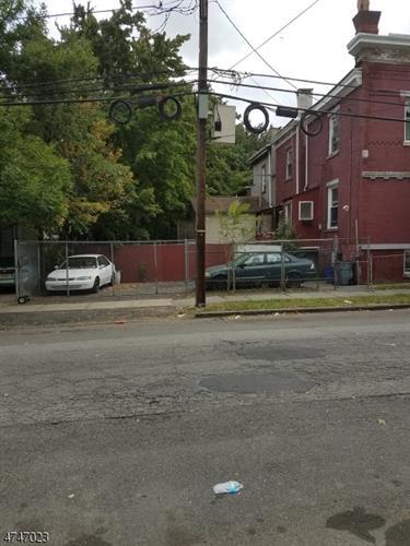 231 6th Ave W, Newark, NJ - USA (photo 3)