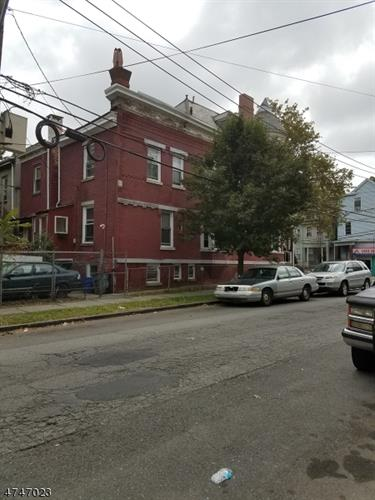 231 6th Ave W, Newark, NJ - USA (photo 4)
