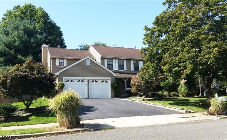 8 Barclay Ct, Franklin Twp, NJ - USA (photo 1)