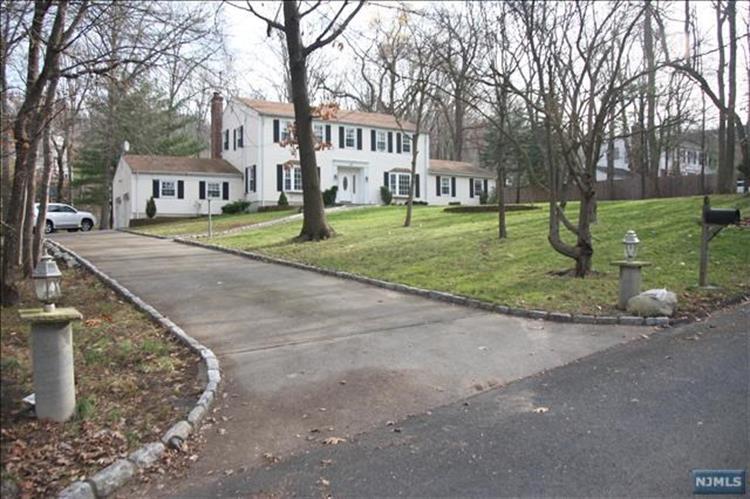 68 Briarwood Avenue, Norwood, NJ - USA (photo 4)