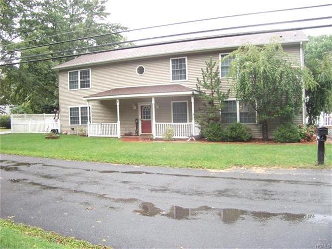 19 Cottage Street, Wallkill, NY - USA (photo 1)