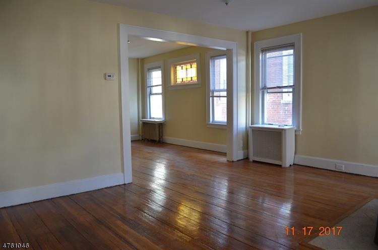344 Chestnut St, Kearny, NJ - USA (photo 4)
