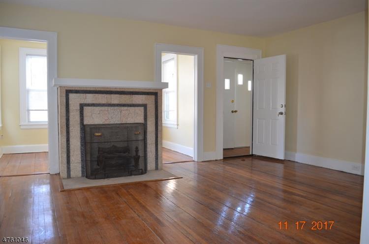 344 Chestnut St, Kearny, NJ - USA (photo 5)