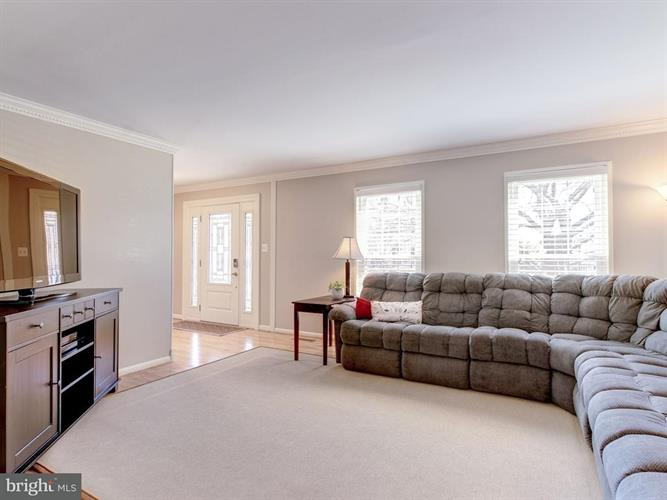 1604 Spottsworth Way, Silver Spring, MD - USA (photo 2)
