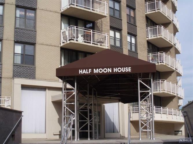 2400 Hudson Terrace, Unit #3 3&4 I, Fort Lee, NJ - USA (photo 1)