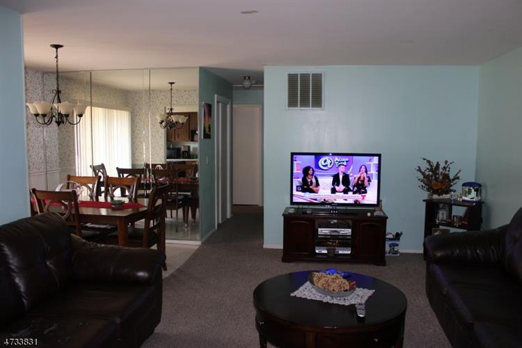 40b Foxhall, Middlesex, NJ - USA (photo 2)