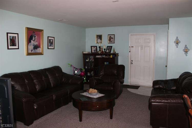 40b Foxhall, Middlesex, NJ - USA (photo 3)