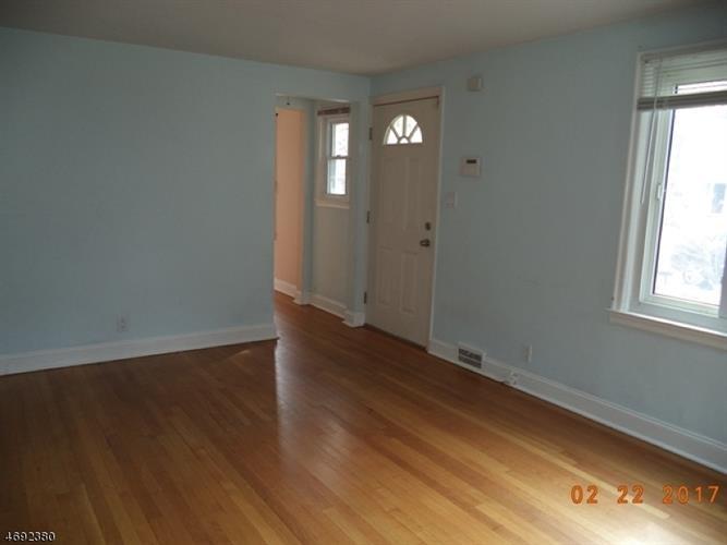 344 Glendale Rd, North Plainfield, NJ - USA (photo 2)