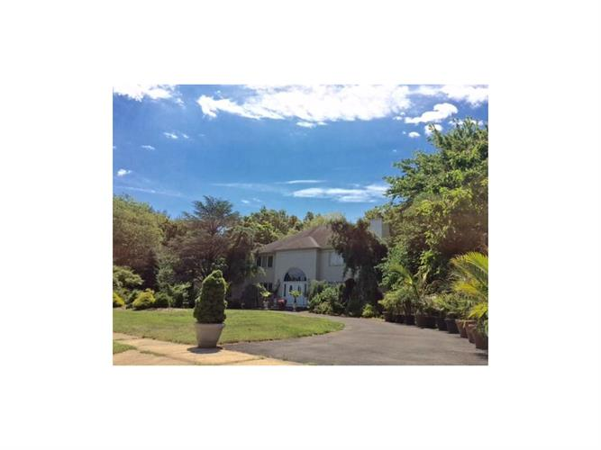 33 Apache Trail, Freehold, NJ - USA (photo 2)