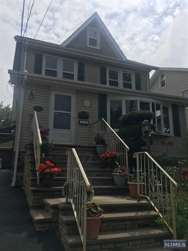 498 Nelson Ave, Ridgefield, NJ - USA (photo 1)