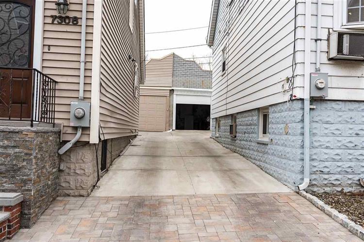 7306 Cottage Ave, North Bergen, NJ - USA (photo 2)