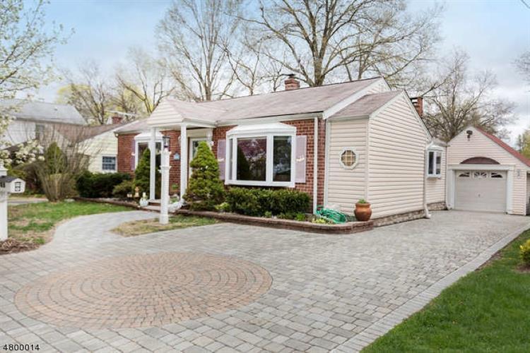 79 Maple St, Bergenfield, NJ - USA (photo 1)
