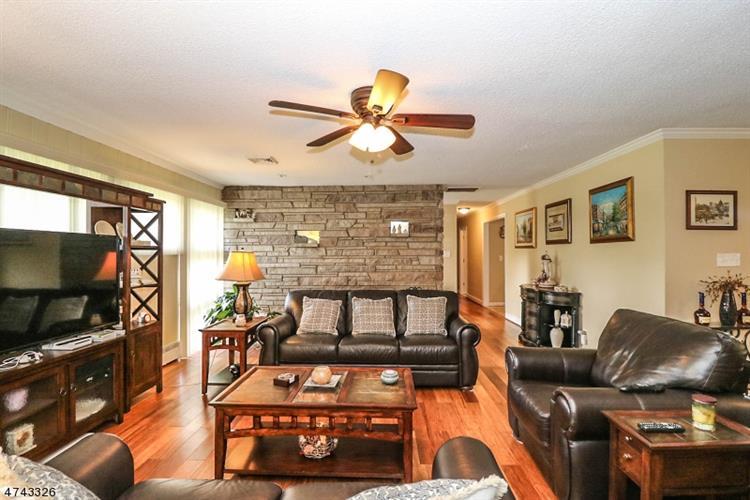 1 Manor Dr, Ewing Township, NJ - USA (photo 5)