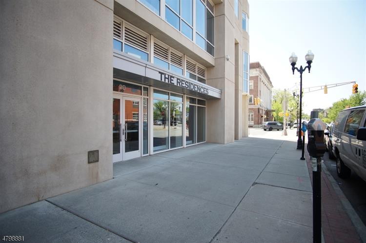 20 Livingston Ave 703, New Brunswick, NJ - USA (photo 1)