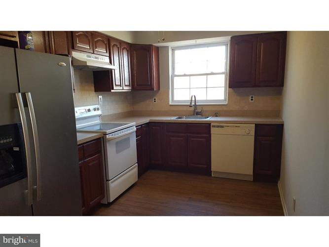 1294 Cooper Street C2, Beverly, NJ - USA (photo 2)
