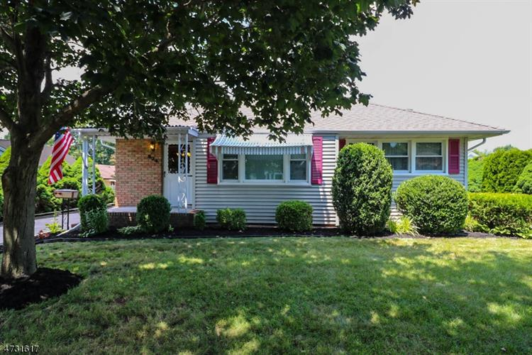 824 Somerville Ave, Manville, NJ - USA (photo 1)