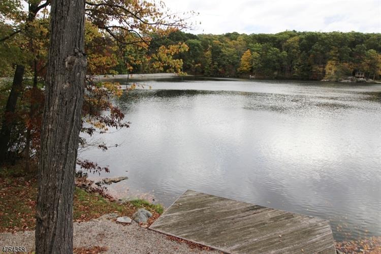 342 W Lakeshore Dr, Vernon, NJ - USA (photo 3)