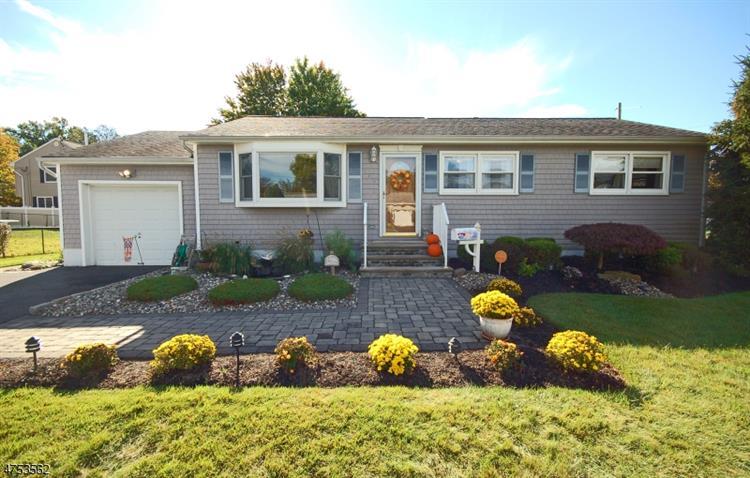 120 Carol Pl, South Plainfield, NJ - USA (photo 1)