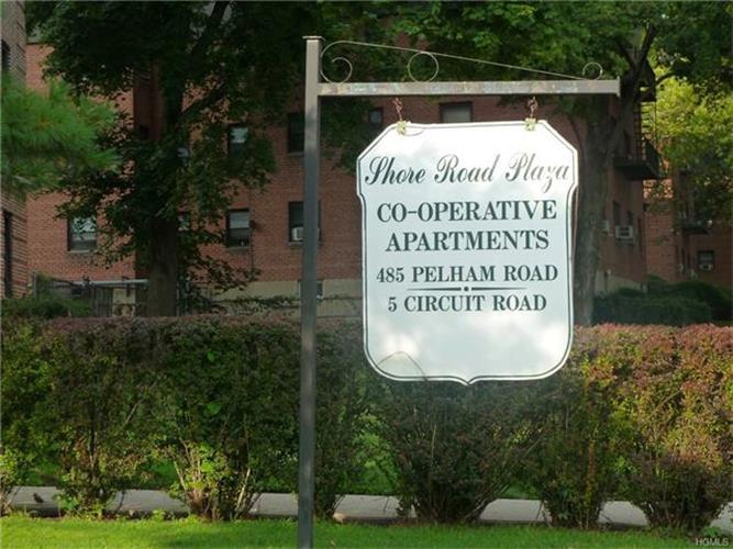 485 Pelham Road B39, New Rochelle, NY - USA (photo 2)