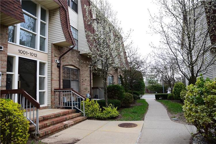 1010 Hidden Village Drive 1010, Perth Amboy, NJ - USA (photo 3)