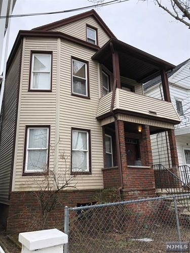 223 Burgess Place, Passaic, NJ - USA (photo 2)