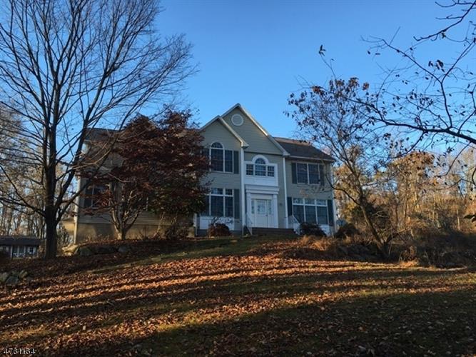 108 W Valley Brook Rd, Township Of Washington, NJ - USA (photo 1)